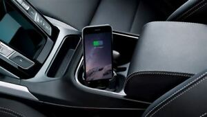 GENUINE JAGUAR E-PACE,I-PACE iPhone® CONNECT AND CHARGE DOCK J9C3880