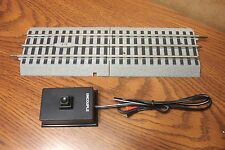 LIONEL TRAINS 6-12020 FASTRACK REMOTE UNCOUPLING TRACK w/ Half Straight Section