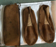 VINTAGE MEN'S BROWN LEATHER TRAVEL/PULLMAN SLIPPERS1960s+ maching LEATHER CASE.