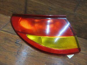 Saturn SC1, 1997, 1998, 1999, 2000, Left Driver Tail Light