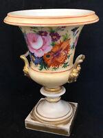 Vase Médicis Porcelaine du Début du 19 ème siècle à décor de Fleurs Vers 1830