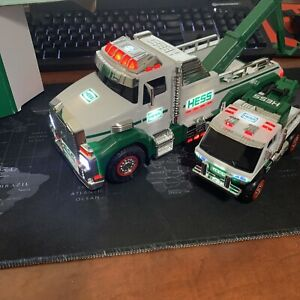 2019 Hess Truck - Toy Tow Truck Rescue Team