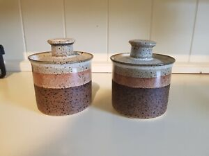 Iden pottery pair of small lidded jars / pots - very good condition