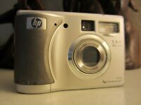HP PhotoSmart 935 5.3MP Digital Camera