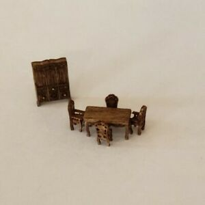 """Dollhouse Miniature 1:144 """"ASSEMBLED""""  Victorian Style Dinning Room  Furniture"""