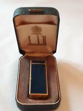 DUNHILL- Briquet laqué bleu et plaqué or dans sa boîte