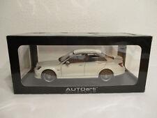 ( GOL ) 1:18 AUTOart Mercedes Benz C63 AMG NEU OVP White