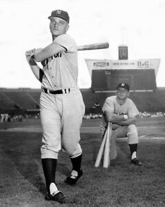 New York Yankees ROGER MARIS Glossy 8x10 Photo Major League Baseball Print