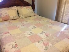 Patchwork Quilt Pink and Green Full/Queen 3 pc Bedding Set with Shams