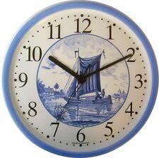 150004  Keramik Wanduhr Artline Segelboot Katamaran Flamand Blaurand, Quarzwerk