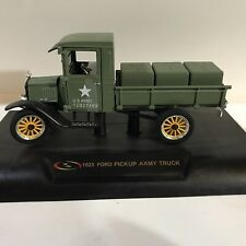 Signature Models 1/32 Scale Truck 32521 - 1923 Ford Model TT Pickup - US Army