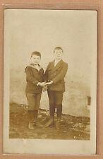 Carte Photo vintage card RPPC 2 enfants frère habit marin mode fashion pz0304