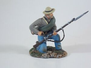 Britains ACW. Confederate Infantry Kneeling Loading. #31025. Cased