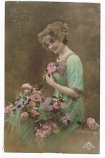 CPA coul. Bonne année 1918 (femme et fleurs)