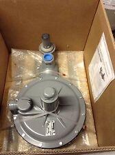 "New listing Fisher Controls S208 gas reguator-1.5"" gas regulator 1 1/2 inch ips"