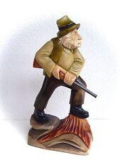 tallada Figura Cazador con escopeta en Base 28 CM TALLA 15980