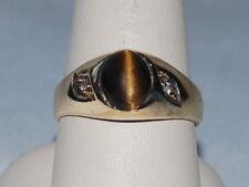 10k Gold ring with Cat's Eye gemstone