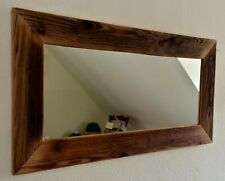Spiegel mit handgefertigtem Rahmen aus Altholz
