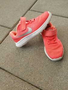 Nike Sportschuhe Schuhe Gr. 27,5
