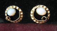 Pretty Pair 14K Yellow Gold Pie Crust Earrings w/ 7mm OVAL OPALS, Posts Pierced
