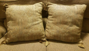 """Lot of 2 Brocade 18"""" x 18"""" Accent Pillow w/Tassels - PreOwned"""