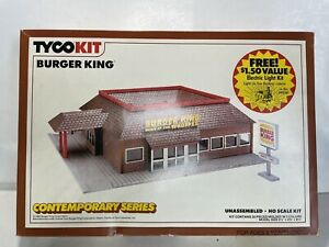 RARE Vintage Tyco Ho Scale Model Trains Train Building Kit Ex Burger King Comple