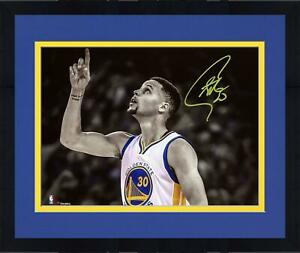 """Frmd Stephen Curry GS Warriors Signed 8"""" x 10"""" Record Breaking Game Photo"""