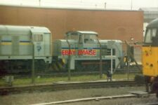 PHOTO  1994 DONCASTER PRIVATELY-OWNED EQUIPMENT - SAFELY BEHIND THE FENCE FOR TH