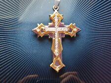 Croix Chrétienne Pendentif Métal Couleur Or Avec Petites Agates. Cross pendant