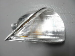 HOLDEN COMMODORE VL R/H/F INDICATOR LIGHT