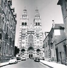 TOURS c. 1960 - Autos Rue Cathédrale St Gatien Indre et Loire - Div 12330
