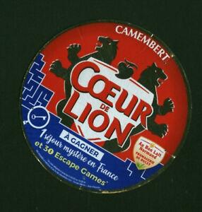 Etiquette de Fromage cartonnée  Camembert Cœur de Lion séjour en France