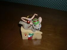 """Charming Tails-3"""" Mouse With Cheese Wedge Figure-New In Box-2019"""