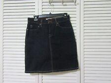 """Signature Levi Strauss & Co, denim skirt,4,Dark denim,shorts underneath,W28"""""""