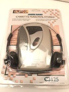 Vintage GPX Stereo Cassette Player Personal Walkman C3125 AM FM Radio Headphones