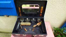valise de toilette vintage en cuir noir avec flacons brosses miroir