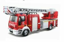 Camions miniatures rouges