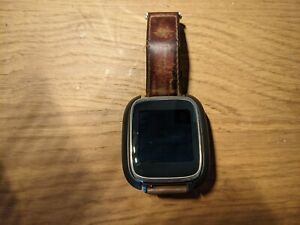 asus zenwatch - model WI500Q with leather band and charger dock