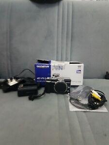 Olympus PEN E-PL1 12.3MP Digital Camera - excellent condition boxed