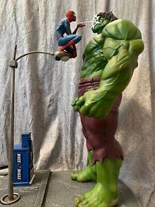 Hulk VS Spriderman custom statue  NOT XM STUDIOS, NOT PRIME ONE