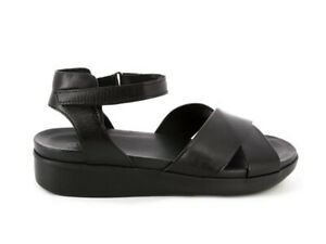 Munro Brinn black leather sandals Size 12. New, unboxed