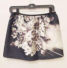 NWT Prada Size 38 Ladies Black-And-White Floral Short Skirt