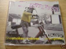 CD Single: Flyscreen : She Smokes She Drives And Writes Poetry