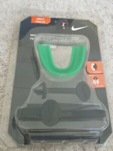 NIKE AMPED MOUTH GUARD WITH STRAP GREEN NFU08301OS SIZE ADULT