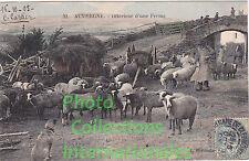 Carte postale : Auvergne - l'intérieur d'une Ferme