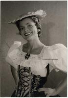 """Lys Assia in """"Ein Platz an der Sonne…"""", Original Presse-Photo von 1966."""