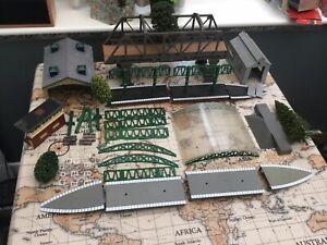 oo gauge Job Lot Of Spare Hornby Railway buildings & Platforms Etc
