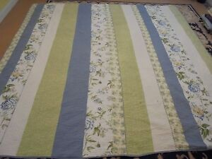 Nice Blue, Green & Yellow Pieced Solid & Floral Lines Quilt