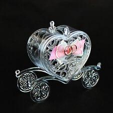 DLM24455 Scatolina carrozza sposi in plastica rigida con fiocco e fedi bombonier