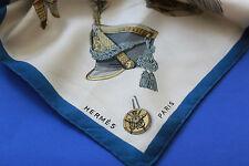 HERMES Soie Chiffon Foulard CARRE VINTAGE RAR casques et coiffures militaires